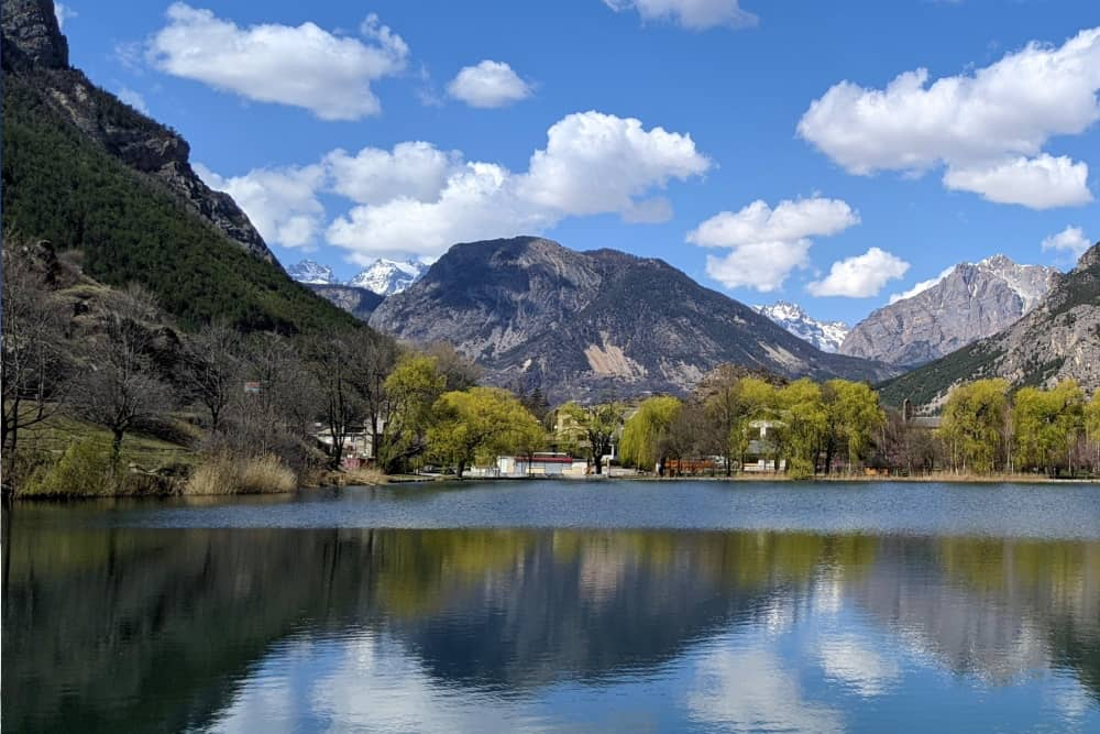 Lake Roche de Rame - scaled